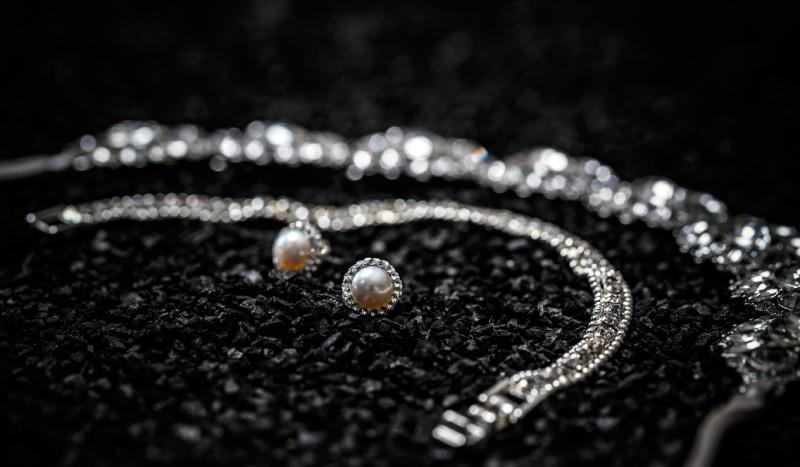 bijuterii argint cu pietre pretioase
